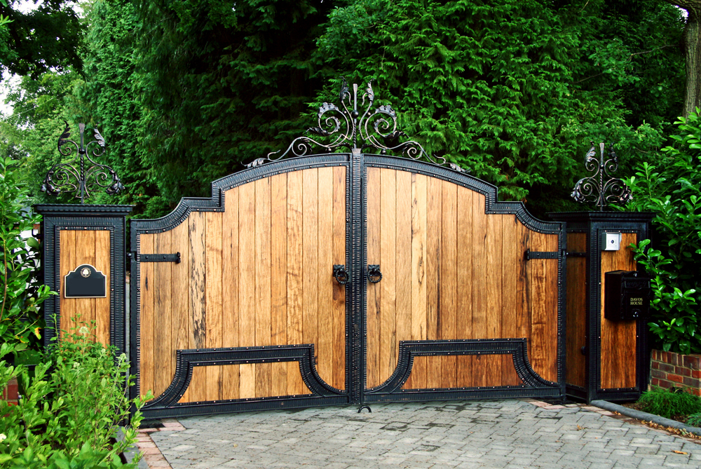 swing gates manchester